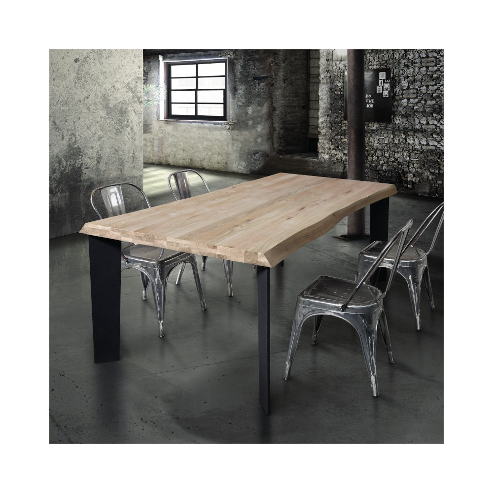 Basic fixed table in solid wood 4 or 6
