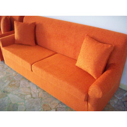 Doria 3 seater sofa in completely removable fabric. Measurements: Lx186 Px74 Hx84 cm