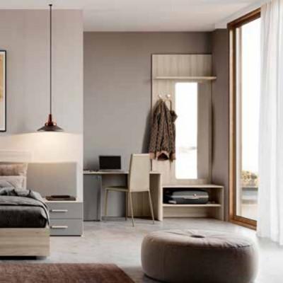 Camera Viola, armadio e scrivania porta frigo