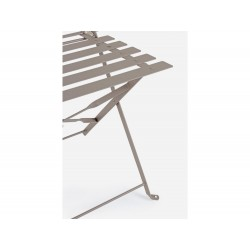 Bistrot Wissant Atmo outdoor table and 2