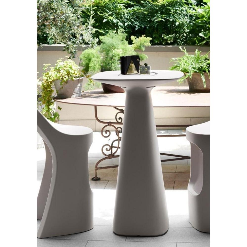 Amèlie UP outdoor table in polyethylene,