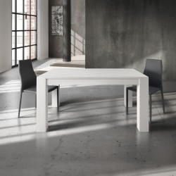 Extendable table in brushed...