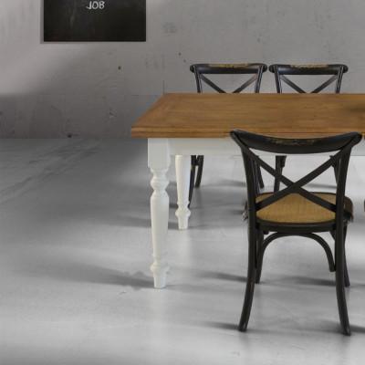 Tavolo allungabile Arno con piano in massello rovere e gambe bianche