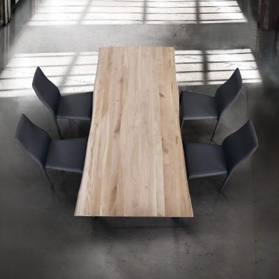 Tavolo fisso rettangolare Kyra con piano in massello colore naturale
