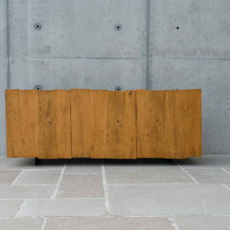 Sideboard with 3 hinged doors with knotty oak grain and iron feet