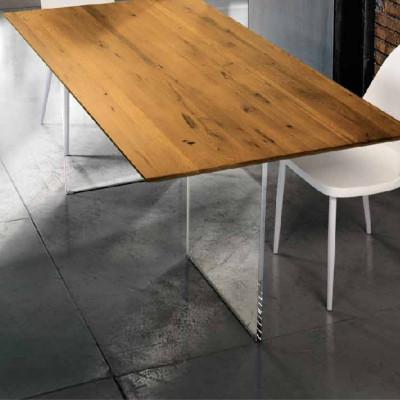 Table fixe Siro en chêne massif noué