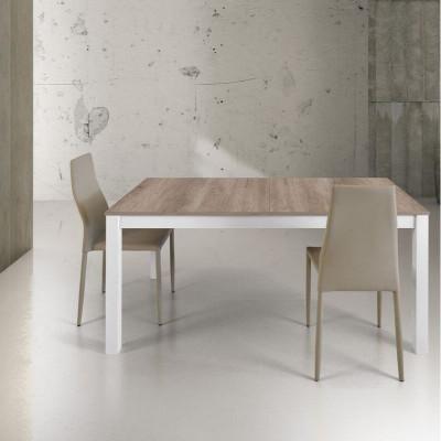 Tavolo rettangolare in laminato rovere, struttura in metallo bianco, con 2 allunghe da 43 cm al centro